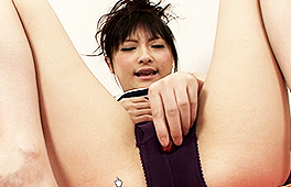 Japanese babe Rika Squirting like Mad