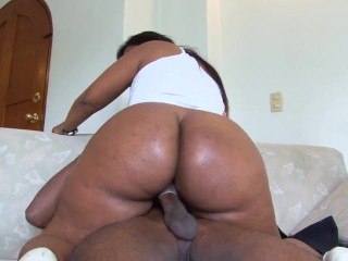 Big Booty Latina with super hot Ass