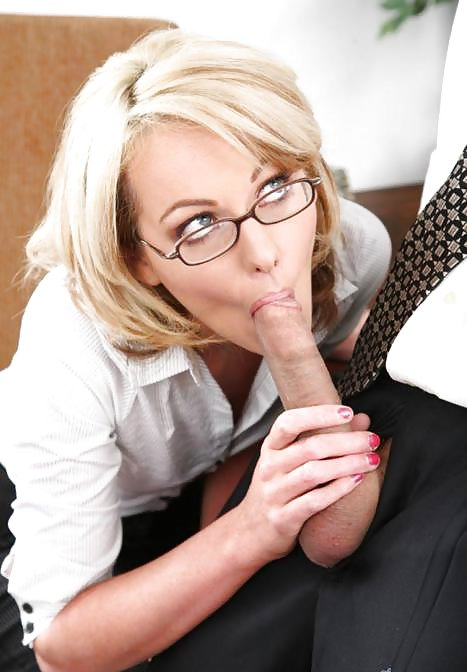 Girls in glasses, cum and sex in glasses.